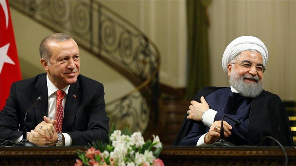 روحانی در تماس تلفنی با اردوغان: تهران و آنکارا به عنوان دو قدرت بزرگ منطقه و جهان اسلام، نقش مهمی در حل و فصل مشکلات منطقه ای دارند