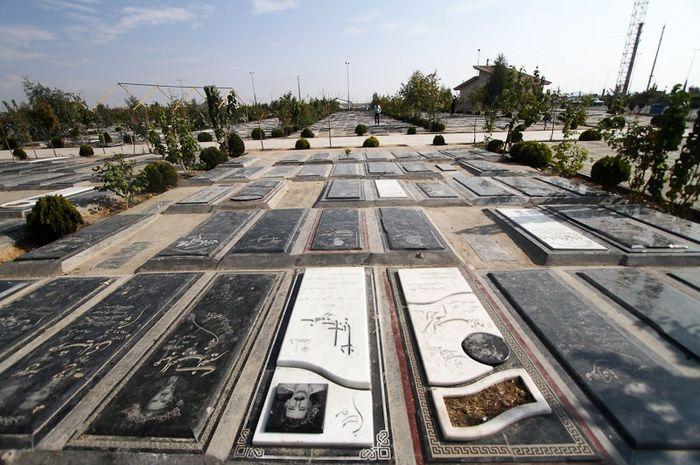 گرانی 35 درصدی سنگ قبر / قیمت سنگ قبرها در بهشت زهرا، از 3.5 تا 10 میلیون تومان