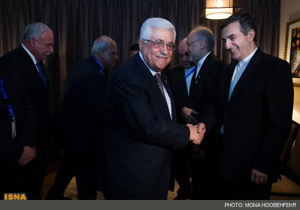 مصافحه مشایی با محمود عباس در قاهره مصر