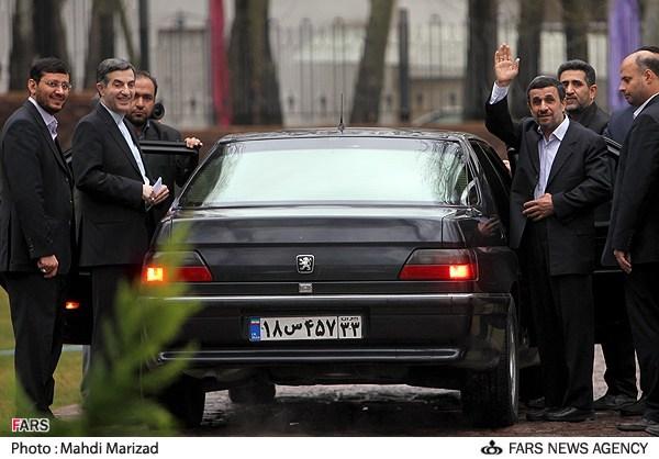 """عکس/خداحافظی احمدینژاد و """"برادر عزیز""""ش"""