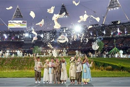 23959 739 تصاویر شگفت انگیز از افتتاحیه المپیک لندن