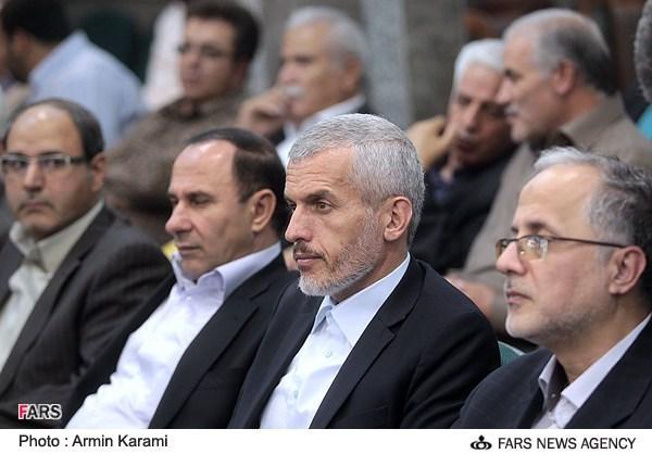 تصویر: محافظ میرحسین موسوی در مراسم حسن روحانی