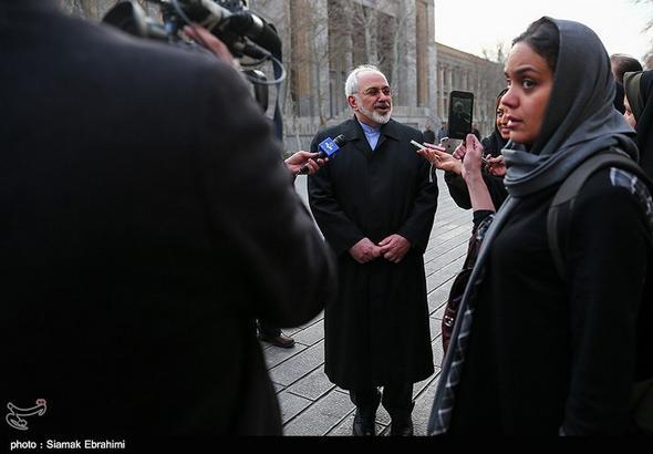 تصاویر : سفر داخل شهری محمدجواد ظریف وزیر خارجه با مترو