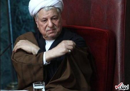 حالا که [احمدی نژاد] رسوا شده، میگویید فلان کس باعث انحرافش شده، اصل انحراف خود اوست / امروز روز گلایه از روحانی نیست، روز همراهی با اوست / مردم غریبانه پای روحانی ایستاده اند