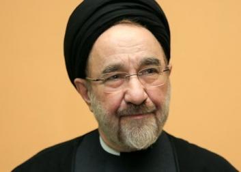 نامه سیدمحمد خاتمی به رهبر معظم انقلاب/امیدوارم به حق محمد و آل محمد هر چه زودتر سلامتی و تندرستی قرین وجود رهبری شود