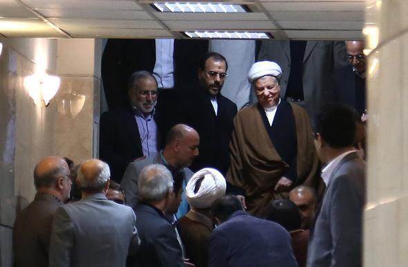 تصاویر :  ثبت نام آیتالله هاشمی در انتخابات