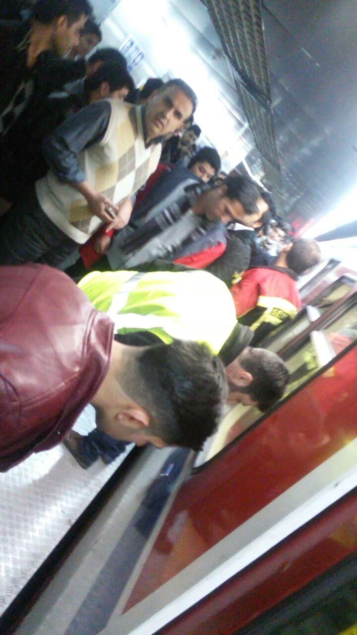 مردی در ایستگاه تهران پارس، خود را زیر مترو انداخت