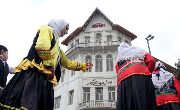 تصاویر : کارناوال تئاتر در رشت