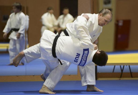 تصاویر : تمرین پوتین با تیم ملی جودو