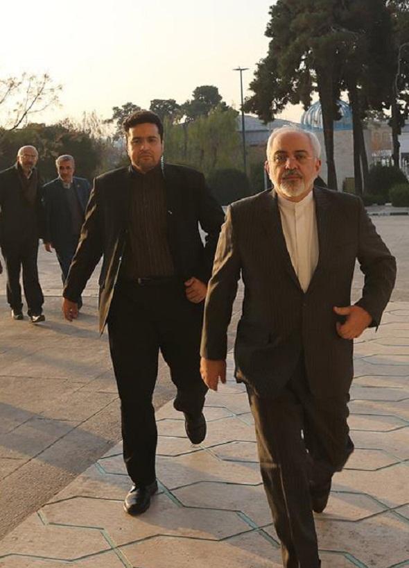 استقبال از ظریف در مجلس + تصاویر