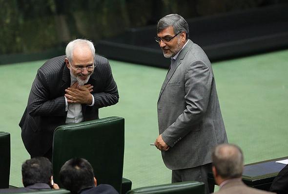 تصاویر : استقبال از ظریف در مجلس