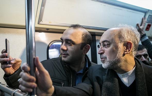 تصاویر : صالحی با مترو سر کار رفت