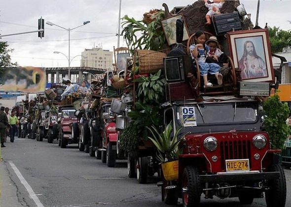 تصاویر : عجیبترین رژه دنیا