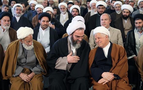 تصاویر : دیدار جمعی از علمای حوزه علمیه قم با آیت الله هاشمی