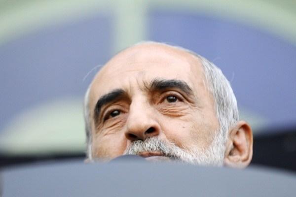 برادر حسین! اگر زمان احمدی نژاد که بابک زنجانی در حال غارت بود، یک کلمه علیه او در کیهان نوشته بودید، اکنون می توانستید سرتان را بالا بگیرید