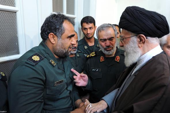 تصاویر :  دیدار بازداشت کنندگان تفنگداران آمریکایی با رهبر معظم انقلاب