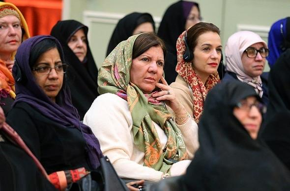 تصاویر : بازارچه خیریه بانوان دیپلماتهای وزارت امور خارجه