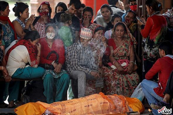 تصاویر : وداع با جان باختگان زلزله نپال