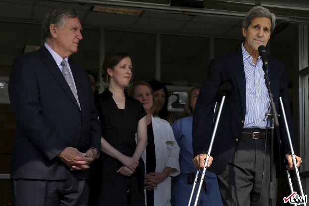 تصویر : جان کری بعد از خروج از بیمارستان