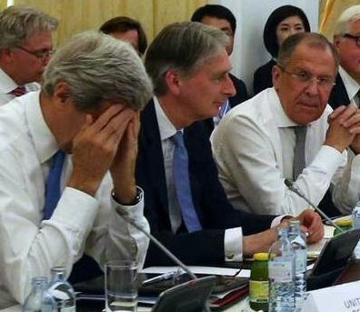 جزئیات نشست «تلخ» وزرای خارجه ایران و 1+5 / از درخواست های زیاده خواهانه غرب که گفتگوها را تا مرز شکست پیش برد تا پاسخ دندان شکن ظریف به موگرینی