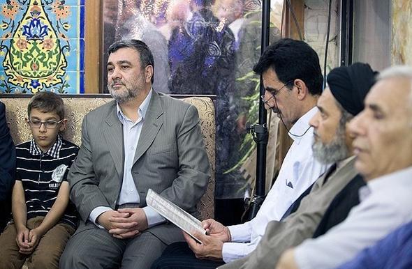 تصاویر : سردار سلیمانی در بزرگداشت فرمانده عملیات سپاه بدر