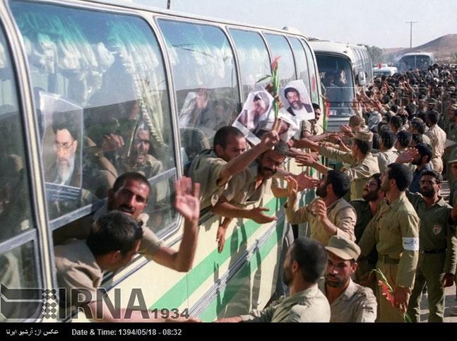 تصاویر: ورود نخستین گروه از آزادگان به خاک میهن اسلامی