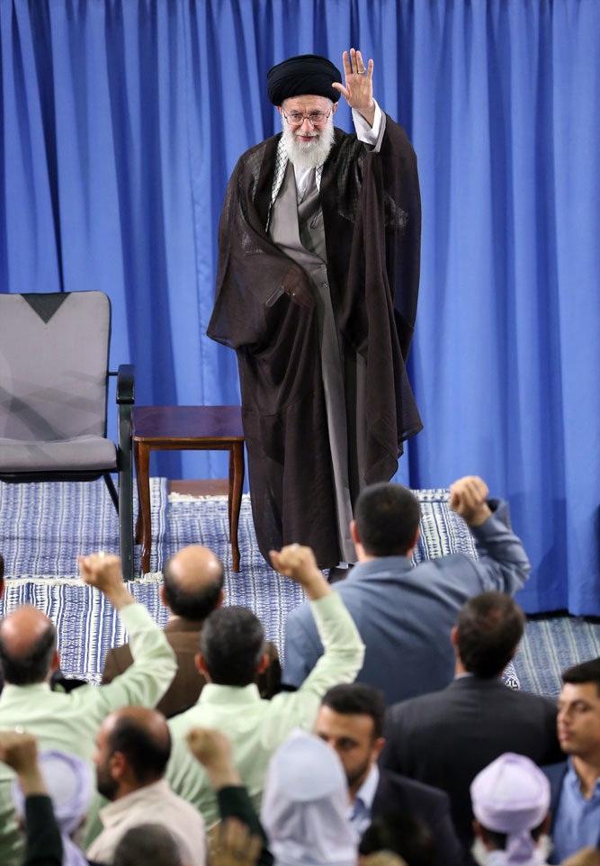 تصاویر : دیدار کارگزاران حج با رهبر معظم انقلاب