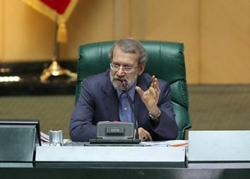 لاریجانی: برخی شمشیر از رو بسته اند؛ گفتهاند سگ احمدی نژاد و مشایی شرف دارد به لاریجانی / می گویند چون هاشمی و روحانی، لاریجانی را رئیس مجلس کرده اند، او نمی گذارد مسئله هسته ای در مجلس طرح شود؛ آیا این توهین نیست؟ / نمایندگان با متانت به انتقاد بپردازند