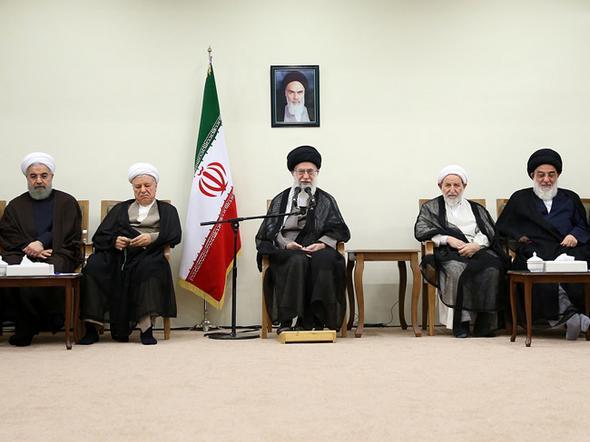 تصاویر : دیدار اعضای خبرگان با رهبر معظم انقلاب