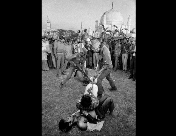 تصاویر : عکسهایی که جهان را تکان داد