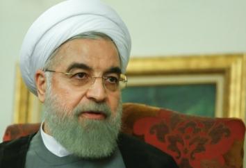 : اجازه نخواهم داد یک عده افراطی امید این ملت را نا امید کنند / بعدها راجع به توافق صحبت خواهم کرد / هیچ نمی تواند بگوید این توافق منطبق با عظمت ایران نیست