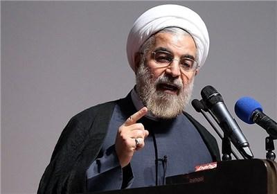 روحانی: نمی توانیم بین انقلاب و نظام فاصله ایجاد کنیم / دشمنانی به نام سست شدن اخلاق و ایمان در جامعه داریم