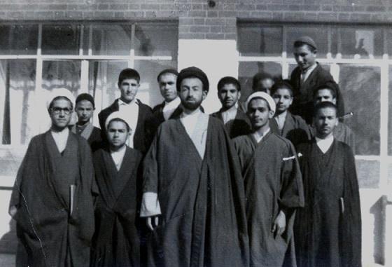 روحانی، شاگرد شهید بهشتی/ عکس