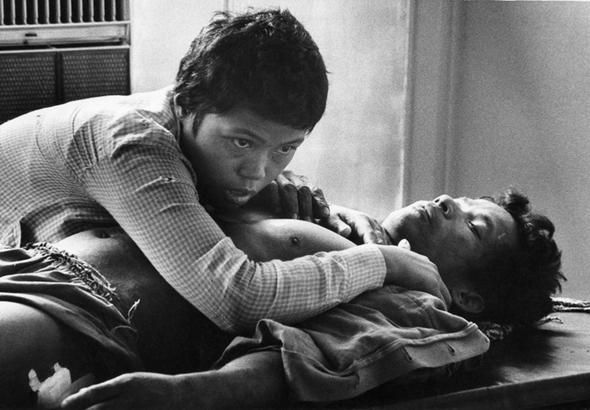 تصاویر : عکاسی در یک قدمیِ مرگ
