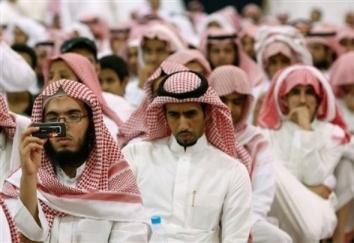 کمپین وهابی ها در توییتر: سفرای ایران، کشورهای خلیج فارس را ترک کنند!