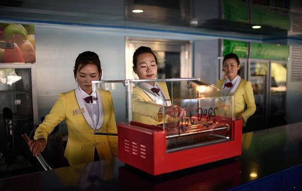 تصاویر : آماده شدن کرهشمالی برای جشنهای سالگرد