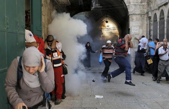 تصاویر : حمله صهیونیستها به مسجدالاقصی