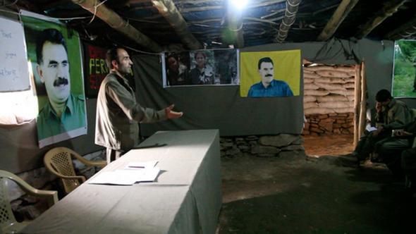 تصاویر : آموزش زنان در اردوگاه «پکک»