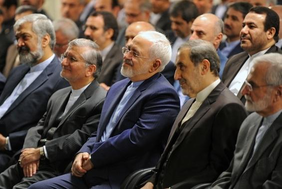 تصاویری از لبخندهای ظریف، ولایتی و خرازی در دیدار با رهبری