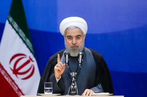 روحانی: حاضریم مذاکره کنیم / اگر سعودی ها دست از مداخلات بردارند، مشکل روابط شان با تهران حل و فصل می شود