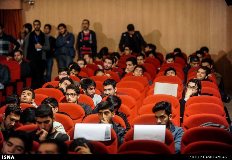 تصویر: شریعتمداری در دانشگاه امیرکبیر