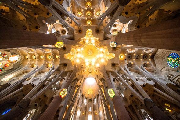 تصاویر : کلیسای ساگرادا فامیلیا در شهر بارسلون