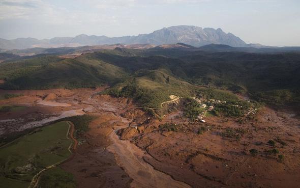 تصاویر : انفجار سد در برزیل