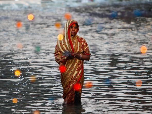 تصاویر : آیین عجیب هندو در هند