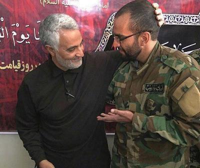 تصویر شهید مدافع حرم در کنار سردار سلیمانی 12 ساعت قبل از شهادت