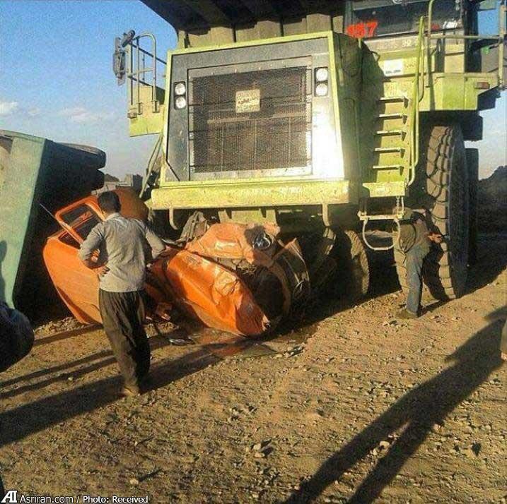 عکس: کامیون له شد!