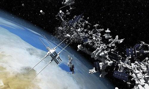 برخورد یک زباله فضایی با زمین در 22 آبان