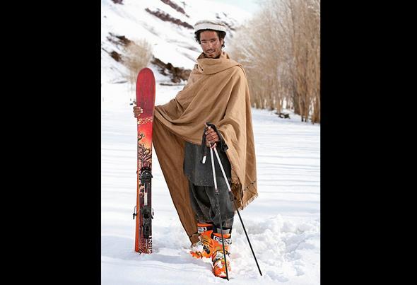 تصاویر : اسکی دختر و پسرها در افغانستان