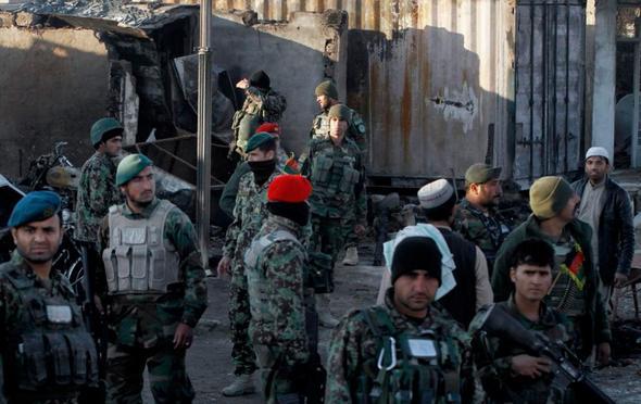 تصاویر : حمله طالبان به فرودگاه قندهار