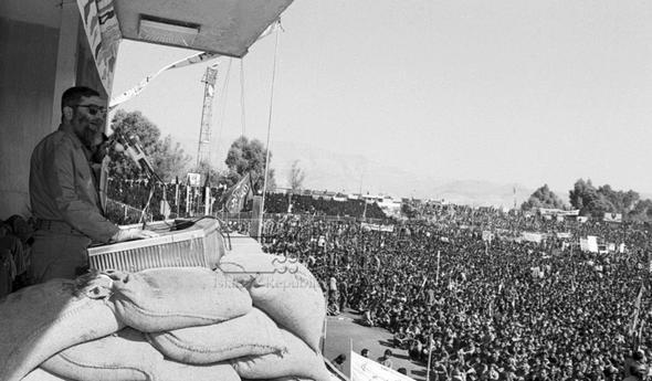 تصاویر : دیدار بسیجیان با حضرت آیت الله خامنه ای در دهه 60